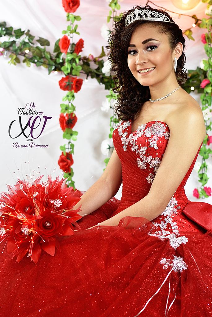 vestido de quince años en color rojo