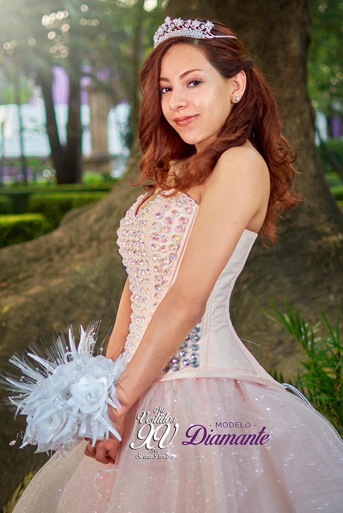 ba0984752e Mi Vestido de Quince Años con Pedrería. Quinceñera vestido en mexico