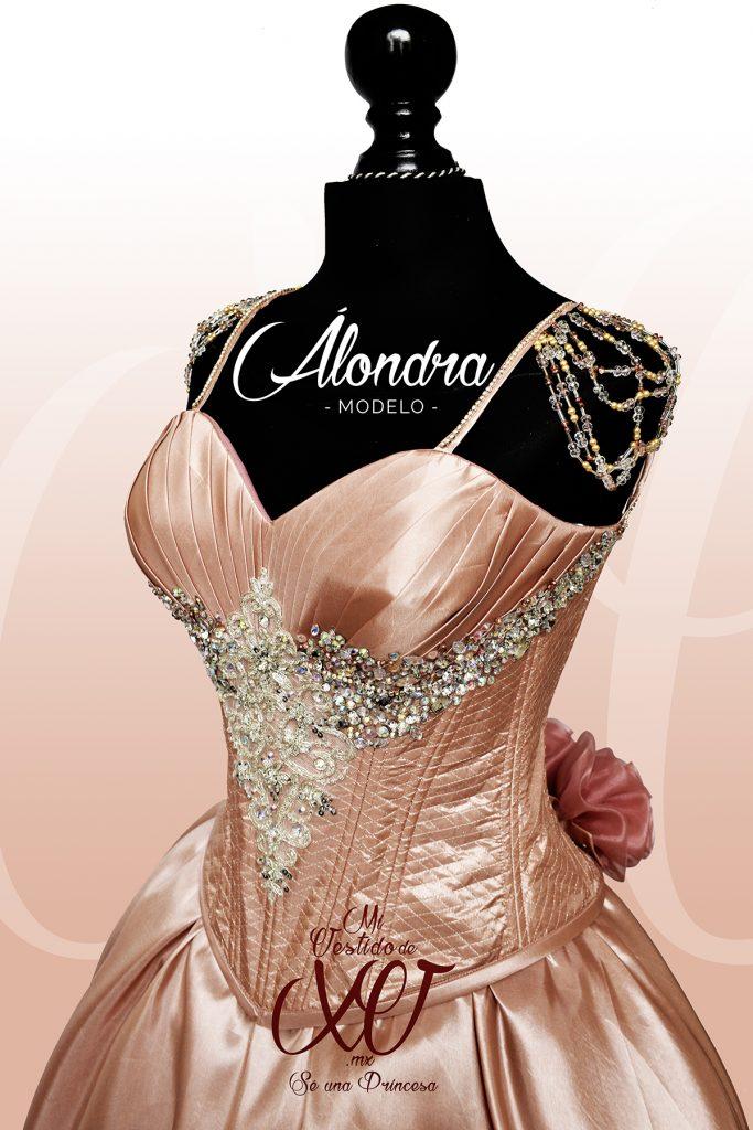 vestido de 15 años palo de rosa y pedrería