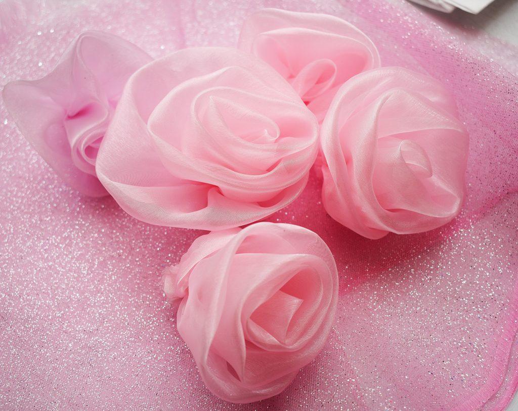 vestido de 15 años con rosas hechas a mano