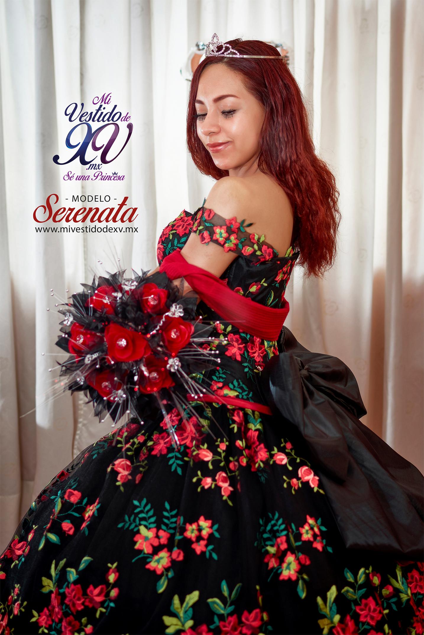 vestido de 15 años mexicano negro con flores
