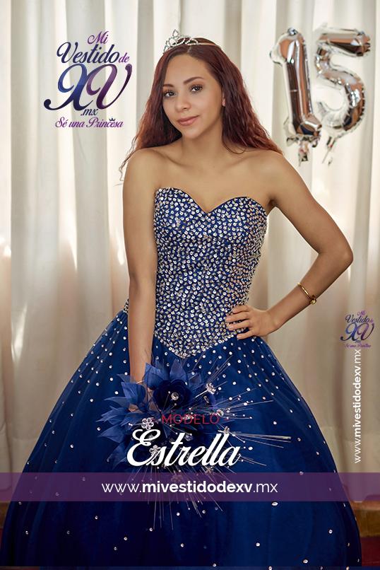 joven modelando un vestido de xv años color azul marino