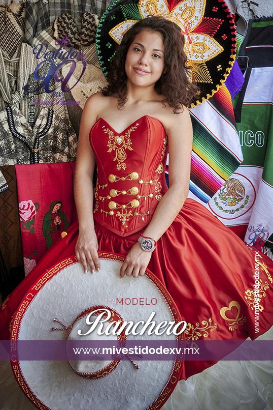 linda modelo posando con vestido de 15 años de charra con fondo de tapetes mexicanos